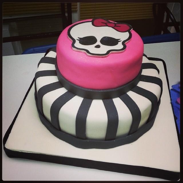 Torta de Monster High | Cesar's Cakes & Design